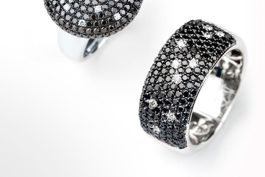 040f2d3b0b0b Diamantes en distintas tonalidades y combinaciones con zafiros